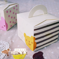 Wholesale little bear or bunny cake Box package packaging for biscuit moon cake macaron box cm