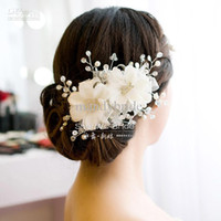 Wholesale In Stock Bridal Silver Tiaras Graceful Handmade Pearls Crystals Bridal Flowers Comb Wedding Hair Accessories