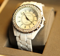 Wholesale Classic white female table full of diamond watches couple watch woman women watch