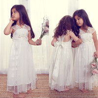 Wholesale Anna Campbell Flower Girls Dresses Strapless Lace Overlay Bow Ribbon Beaded A Line Ankle Length Kids Dress Wedding Party Gowns