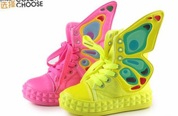 2017 enfants enfants chaussures ailées Sring Automne Enfants Butterfly-ailes Chaussures de toile Enfants Chaussures Casual Boys and Girls Fashion Sneakers Absolument Bonne Qualité Brillant Couleurs 1pair budget enfants enfants chaussures ailées