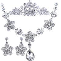Alloy / Silver / Gold Other Rhinestone Pretty good Flower Pendant jewelry bridal diamond jewelry wedding necklace Korean three-piece wedding dress accessoriesS0415