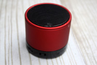 Wholesale S10 Metal Mini Portable BeatBox Hi Fi Bluetooth Wireless Speaker TF Slot Handfree Mic Stereo Portable Speakers