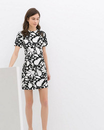 Wholesale 2014 Summer Ladies fashion dresses slim black and white printed short sleeve embroidered openwork dress