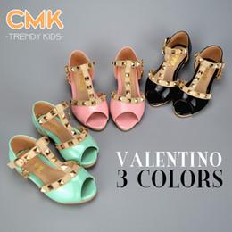 Wholesale CMK KS002 Open Toes Summer Elegant Rivet Princess Patent Leather Kids Girls Wedge Sandals Low heeled Children Shoes Free ship