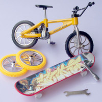 Wholesale 1PC Finger skateboards Finger bicycle cm Educational toys Birthday gift for boys New toys for kids Freeshipping