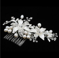 Rhinestone/Crystal prom hair accessories - In Stock Pearl Flower Wedding Hair Comb Silver Diamonds Alloy Hair Jewelry Bride Dress Accessories Combs Prom Pageant Tiaras