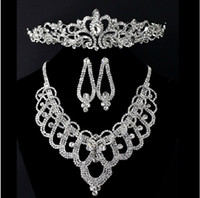 Wholesale In Stock Hot Sale Unique Three piece Diamond Sets of Bridal Jewelry Crystal Bridal Crown Necklace Earring Sets Wedding Bridal Accessories
