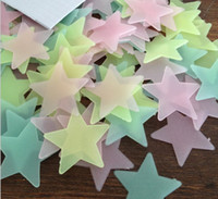 Wholesale New Home Baby Children Room Decal Glow In The Dark Fluorescent Glue Cute Star Wall Stickers