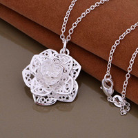 Wholesale High quality silver plated flower pendant necklace fashion jewelry engagement gifts for women