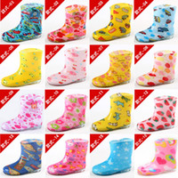Wholesale Super cute fashion manufacturers selling transparent crystal waterproof rain shoes boots shoes children