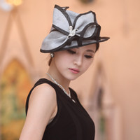Wholesale Women Hat Fashion Straw Hat Lady Hat Summer Hat Natural Straw Made Two Tone Color Sinamay Flowers New Arrivals