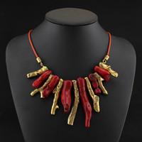 Colliers de bavoir Prix-2014 Unique Design Vintage Gold Red Coral Colliers Pendentifs Fashion Retro Shoker Bib Statement Collier Bijoux Femmes
