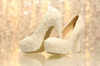Wholesale Charming Ivory Luxury Lace Bridal Shoes with Pearls Bead Appliques Ms special Wedding Shoes Wedding Accessories Prom Pageant Shoes