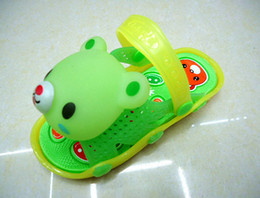 Wholesale Baby lovely shoes Toddler shoes that make a squeak noise every time the child takes a step Children sandals