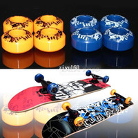 Wholesale High Elastic Cruising Tricks Low Noise Street Skateboard Trucks Pattern Wheels