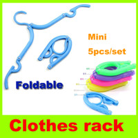 Wholesale Folding clothes hanger foldable coat hanger Nonskid Portable camping Travel Plastic clothes rack Fold Hook Wardrobe Hanger Space Saving H