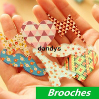 Wholesale 16 Acrylic brooches Acrylic badges Vintage Eiffel Love Lightning Girl dress bag hat accessories Novelty zakka gift dandys