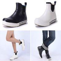 Rain Boots anti heels - New Women Men Fashion Rubber Rain Boots Flat Heels Lovers Ankle Rainboots Waterproof Woman Water Shoes Wellies TS3