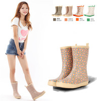 Wholesale New Styles Lovers Mens Solid Black Rubber Rain Boots Mid carf Waterproof Floral Print Women Fashion Rainboots Wellies TS4