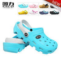 Wholesale 2014 new summer lady s summer clogs beach sandals slippers for men women EVA garden shoes breathable hole shoes
