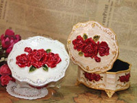 Wholesale Romantic Rose color tin jewelry box jewelry box jewelry box princess continental European lace gift Wedding jewelry boxes