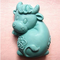 Wholesale supernova sale new cow shaped Handmade soap silicone mold silica gel mould silicon candle moulds animal mould