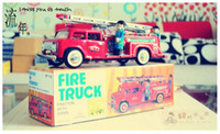 2-4 Years Multicolor Metal Free Shipping Collectible Tin Clockwork Fire Truck, Great Gift Toys For Kids And Adults, Classic Retro Wind Up Toy