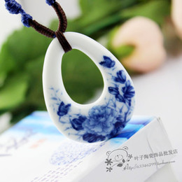 Wholesale free shinppingBlue and white ceramic necklace ceramic tiles manufacturers jewelry sweater chain necklace jewelry national wind