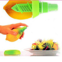 Wholesale Hot Sale New In Lemon Orange Juice Sprayer Citrus Spray Mini Reamers Squeezer Hand Juicer Kitchen Accessories AF0078