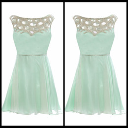 Wholesale Elegant Scoop Neckline Graduation Dresses Short Mint Chiffon Cheap Homecoming Dresses With Beading Latest