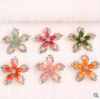 blue green jade - High Quality Jade Flower Brooches Star Pattern Crystal Brooches Colors Gemstone Pins Fashion Jewelry Yellow Green Red Pink Blue Roseo