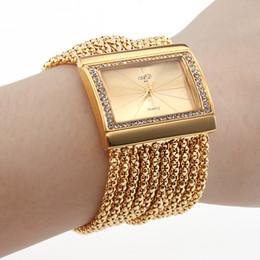 Banda de oro de las mujeres Dial de oro pulsera de diamantes Estilo pulsera de reloj Brazalete de lujo cuadrado de diamantes Cara de las mujeres Lady Girl pulsera de cuarzo muñeca