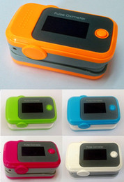 Wholesale Fingertip Pulse Oximeter Oxymeter SPO2 Monitor OLED Display with box packaging Colors