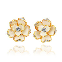 Wholesale Top quality fashion party jewelry plated K GOLD Czech diamond flower stud earrings for women wedding gifts