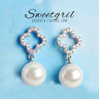 Stud Sister yield Clover Bottom silver pearl necklace silv Van V family Clover diamond earrings Korea earrings pearl pendant necklace zircon hollow four-leaf flower girl