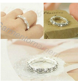 Wholesale 3colors silver plated single row cup chain rhinestone crystal pronged bling stretch finger ring