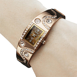Wholesale Wholesales High Quality Fashion Casual Quartz Gold Wemon s Bracelet Wrist Watches on Sales