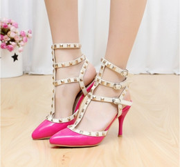 Wholesale Summer collection point Han edition of Roman sandals package mail with tape joker nightclub patent leather shoes