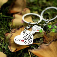 Wholesale new alloy heart i love you word key keychain car key ring couple lover key chain advertising wedding gift keychains