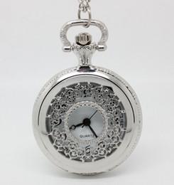 Wholesale pequeño tamaño mm reloj de bolsillo Medio plata floral cara blanca collar hueco