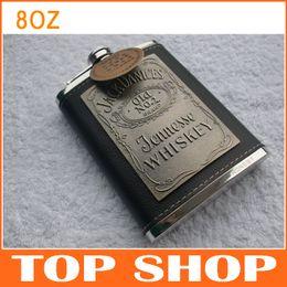 Flacon de hanche gravé 8 OZ en acier inoxydable Flagon Camping Vintage en cuir enveloppé Jackdanices Patch 8OZ pot de vin JJ0076 à partir de gravent flacon fabricateur