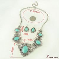 Wholesale Turquoise necklace earrings bridal jewelry sets hollow carved necklace accessories in Europe and America
