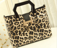 Wholesale New Women Shoulder Bags PU Color wooden handle leopard grain Leisure Simple Autumn Winter Casual Women s handbag American Style