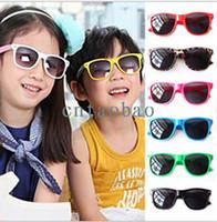 achat en gros de lunettes de soleil ombre mixte-Les lunettes de soleil colorées des enfants Sun-ombrage de bébé de lunettes de soleil de couleurs de bébé d'enfants chauds de vente ultra-uv 400 7 couleurs mélangées MQO = 50pcs FREESHIPPING