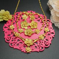 Wholesale Xuping Fashion Wedding Jewelry Set K Yellow Gold Filled Flower Set Sweet Women s Gold Necklace Earrings Bracelet Set