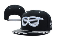 Wholesale Sun Hats Sports Snapback Hip Hop Cap for Men and Women Black Caps Outdoor Hats Adjustable Headwears Glasses Embroidered Newest Caps