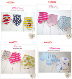 Wholesale New Arrival Cotton Baby Bandages Triangle Bibs Children Snap Bibs Mom s Care Bibs