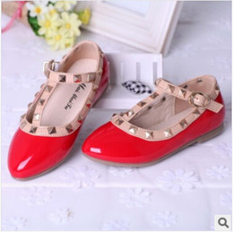 Wholesale 2014 HOT Beauty Girls Low heels Shoes Summer and Autumn Fashion Colors kids Flat Leather Shoes Red Children Shoes Rivets Wedge Sandals