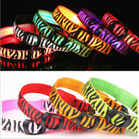 Wholesale The new cool zebra hot cakes LED collar colors LED flashing dog collar LED pet collar necklace cat collar Pet Supplies